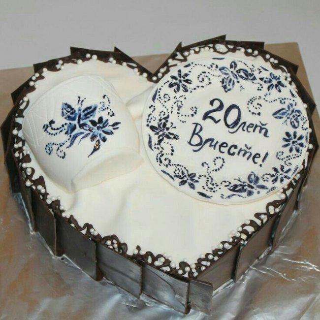 Торт на фарфоровую свадьбу (20 лет)
