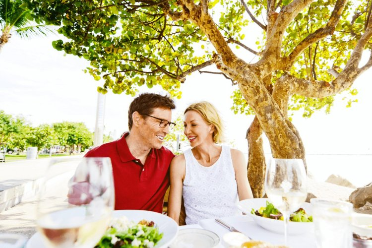 Какие бывают свадьбы по годам: названия и что дарить (от 1 до 50 лет)