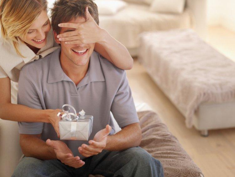Выбор подарка для мужа на годовщину
