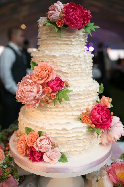 Кремовый свадебный торт: идеи и советы для молодожёнов (фото)