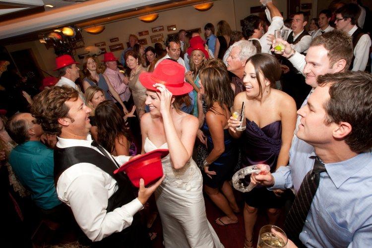 на за для конкурс столом свадьбе знакомства гостей