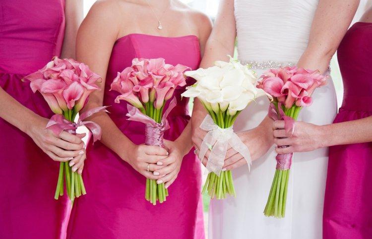 svadebnie-buketi-dlya-nevest-iz-tsvetov-kalli-tsvetov