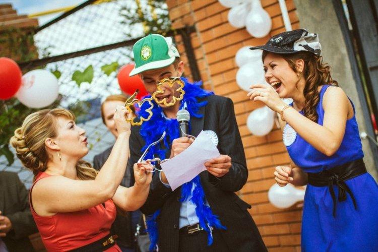 Сценарий на выкуп невесты оригинальные конкурс с ромашкой