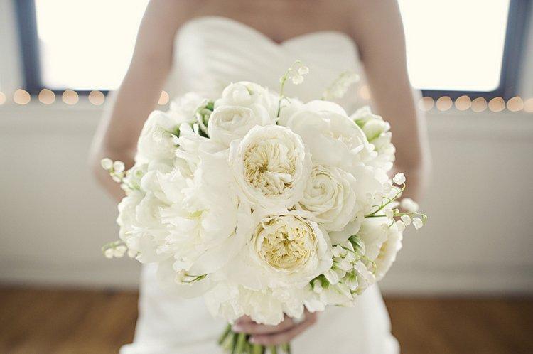 Свадебный букет из ландышей: идеи композиций и фото
