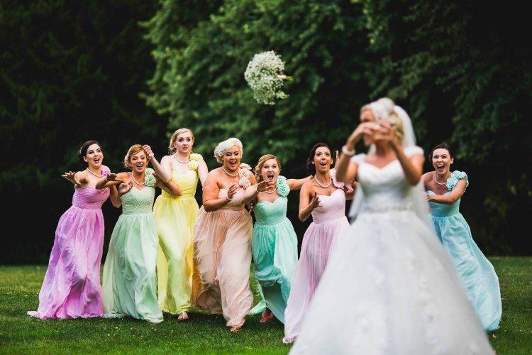Букеты невесты: приметы про бросание и другие традиции