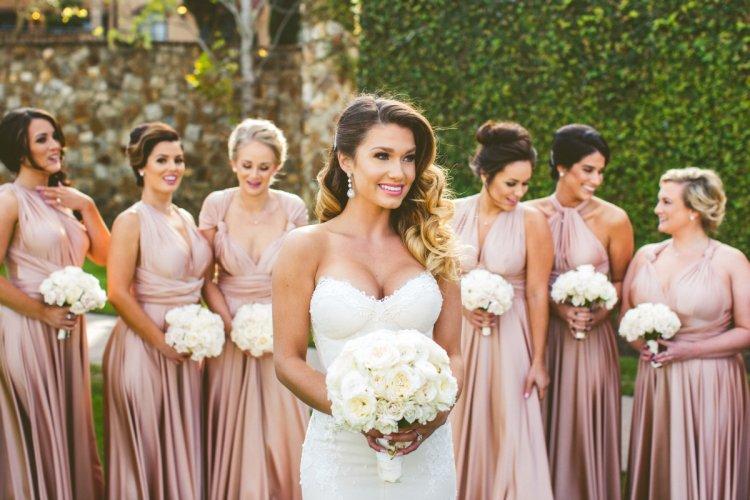 6cf9a7403db Платье на свадьбу к подруге  выбираем стильный и красивый наряд
