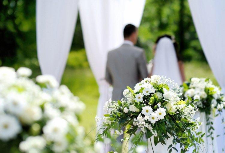 anusu-ochki-primeti-nezamuzhnih-devushek-na-svadbah