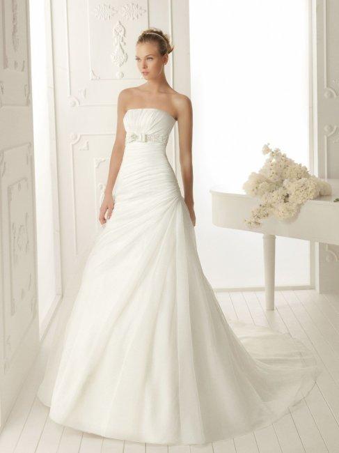 Выбор свадебного платья для невысоких девушек : лучшие модели