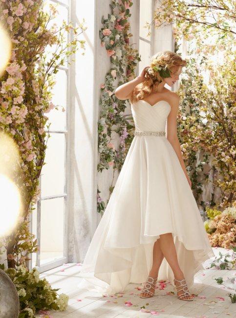 Какие свадебные платья подойдут для невысоких девушек