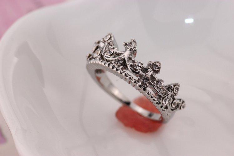 5bfc892de354 Обручальные кольца в виде короны  модели, советы по выбору (фото)