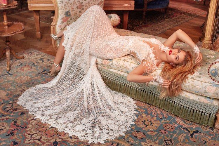 Тренд № 1. Прозрачные свадебные наряды