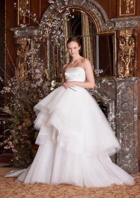 Тренд № 8. Многослойные юбки – тренд свадебной моды 2019