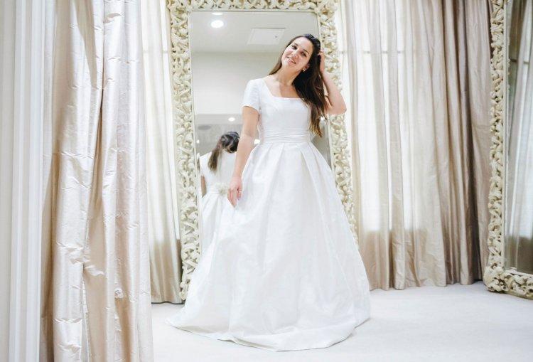 c792b63ffd5e892 Свадебные платья для полных девушек: особенности, модели, фото