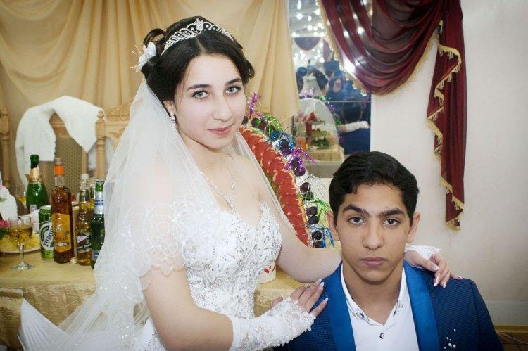 Видео о первой брачной ночи у цыган заплатили