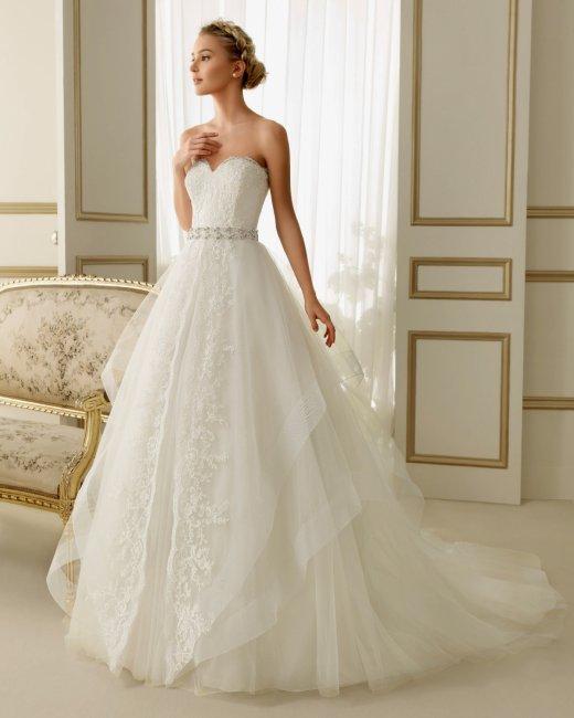 77185124f085c67 Образ невесты 2019: самые модные свадебные платья и аксессуары ...