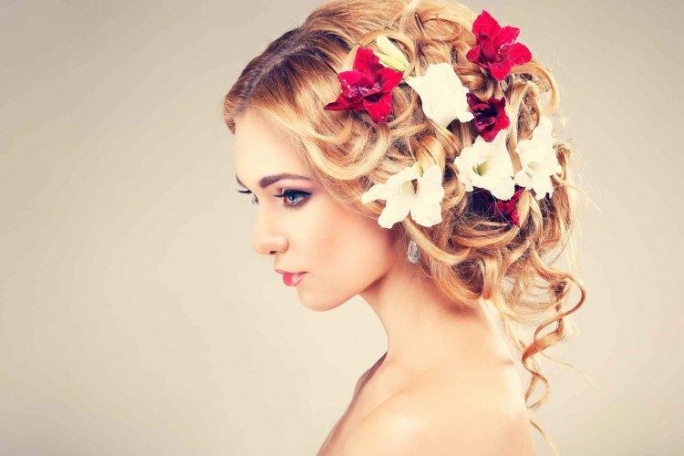 Обилие аксессуаров для волос