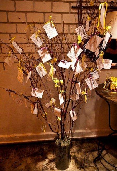 Карточки с поздравлениями на декоративном дереве