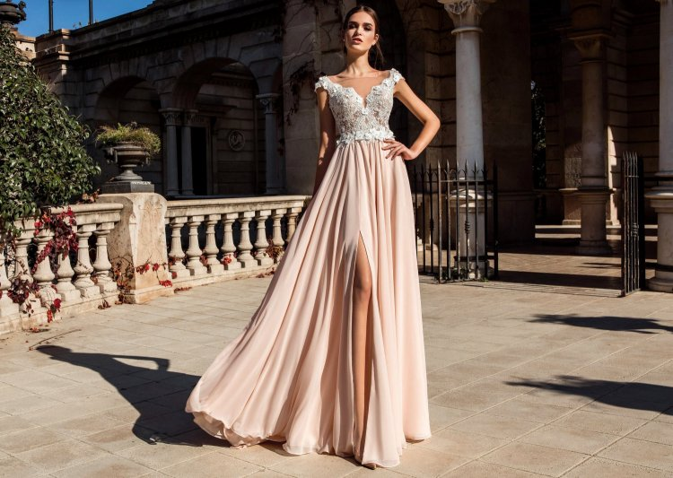 Свадебные платья с цветной юбкой