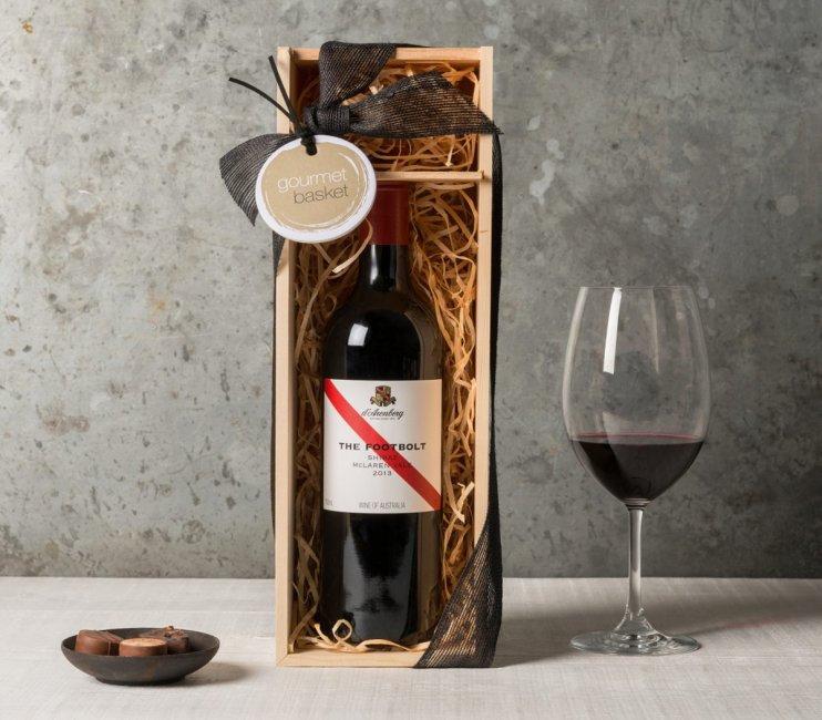 Бутылочка хорошего вина на рубиновую свадьбу