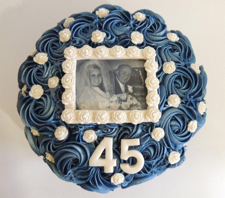 Торт на сапфировую годовщину