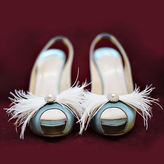 Оригинальные клипсы на свадебные туфли