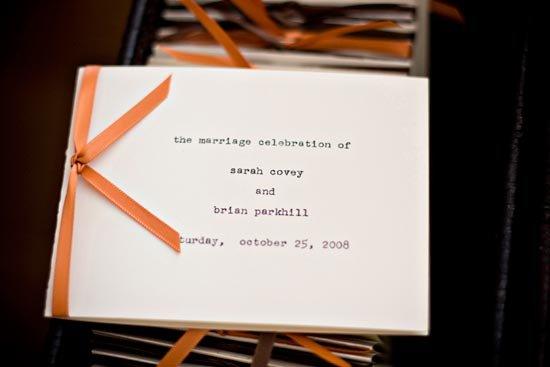 Программа свадьбы, украшенная лентой