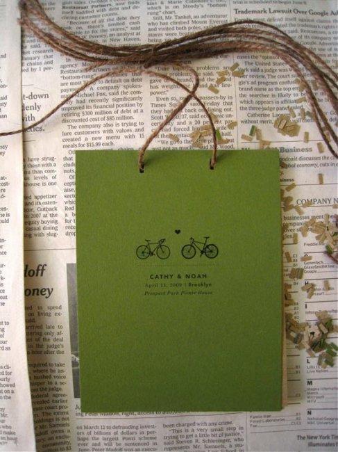 Программа свадьбы, украшенная нитью