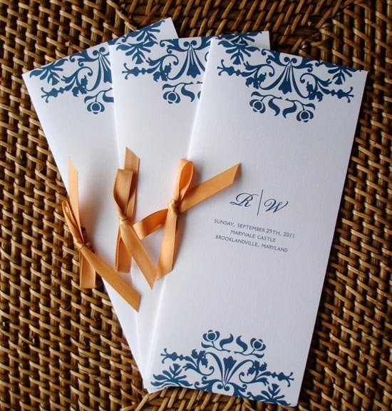 Программа свадьбы, связанная лентой