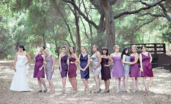 Фиолетовое омбре в платьях подруг