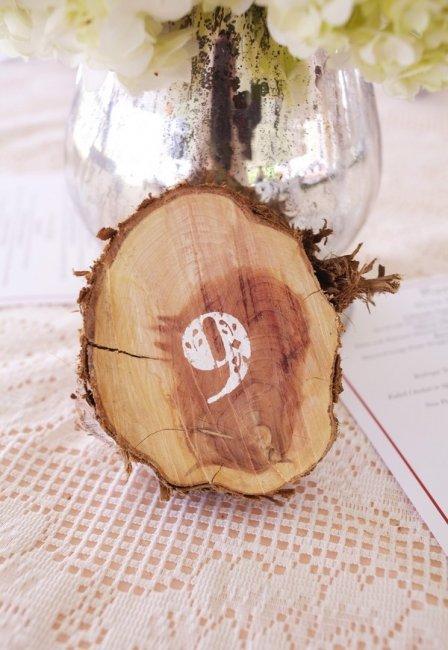 Номер для стола из дерева