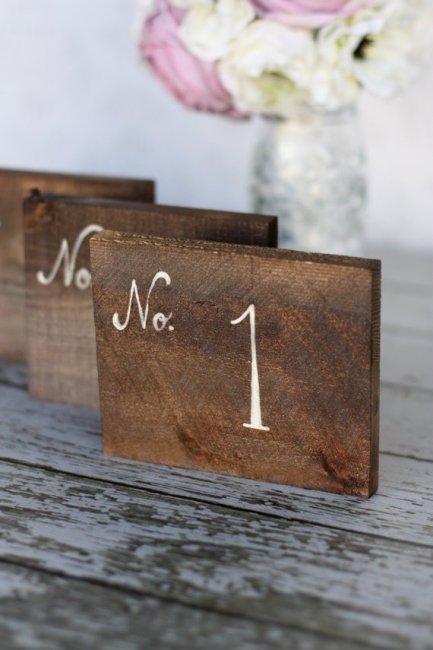 Номер в виде квадратика из дерева