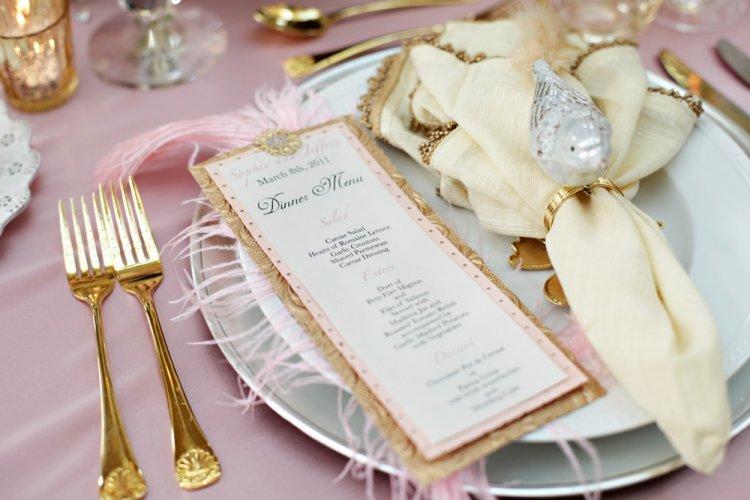 Красивая сервировка свадебного стола