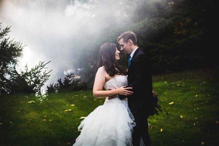 Свадебное фото в тумане