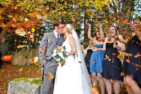 Свадебное фото в листопад