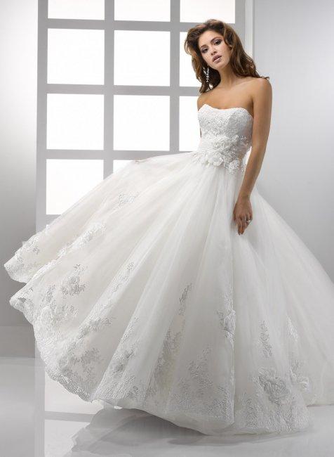 1014facaf7806a9 Фасоны свадебных платьев: топ-5 основных силуэтов