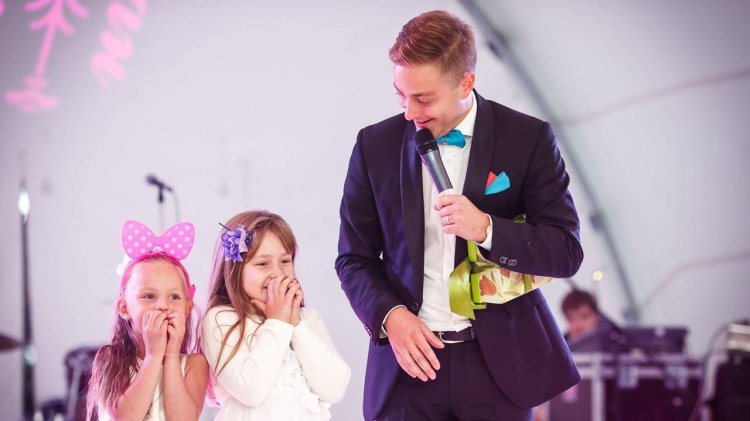Дети на свадьбе тоже хотят веселиться!