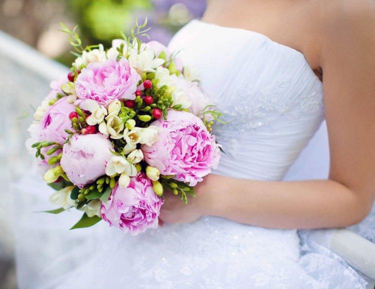 фото свадебные букеты с пионами