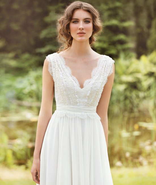 Простое свадебное платье для современной свадьбы