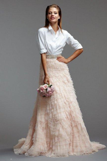 Необычное платье современной невесты