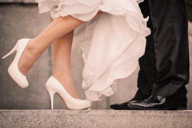 Скромные туфли для невесты