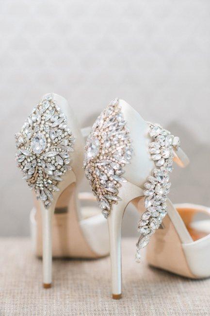 4aa767210 Свадебные туфли (фото): приметы и советы по выбору туфель невесты