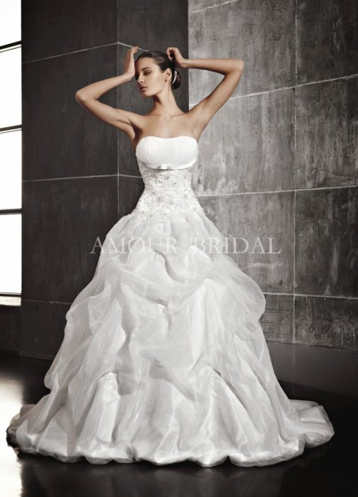 Amour Bridal 1095
