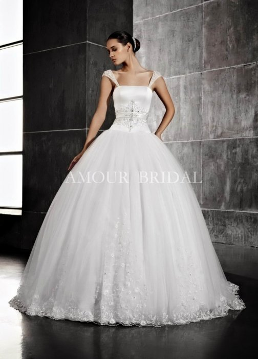 Amour Bridal 1157