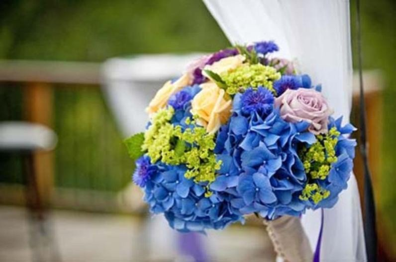 pinks-and-purples-are-the-new-white-flowers-for-weddings-in-summer-2011