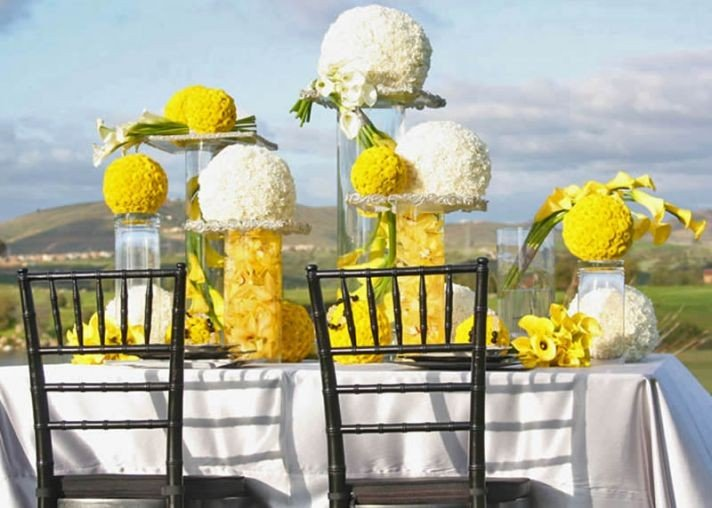 yellow-and-white-country-wedding-2__full