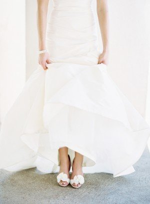 White-Badgley-Mischka-Wedding-Shoes-300x407