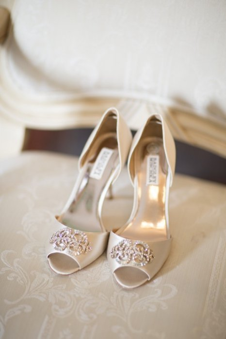 Badgley-Mischka-Shoes-600x900