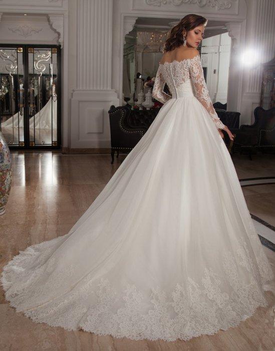 7f7d486e2b516cc Свадебные платья со шлейфами от салона