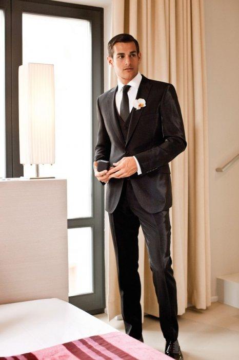 b8971434c462 ... Мужской костюм Digel Ceremony (Германия) черного цвета с благородным  отблеском ...